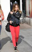 http://img281.imagevenue.com/loc452/th_628476274_Hilary_Duff_Century_City_Mall17_122_452lo.jpg