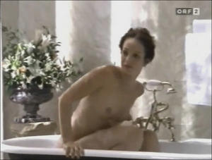 Lara Joy Körner Nackt