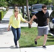 http://img281.imagevenue.com/loc528/th_150455087_Hilary_Duff_leaving_her_house_in_LA2_122_528lo.jpg