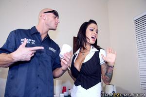 Angelina valentine big tits at work — pic 6